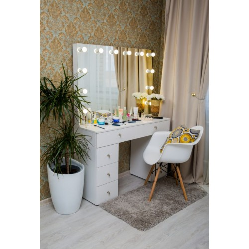 Гримерный столик с безрамным зеркалом и подсветкой 80х120